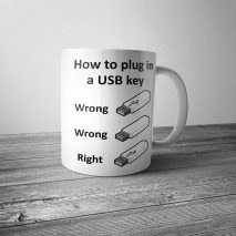 How to Plug in a USB Key Mug